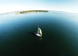 sailing_c3a5land_aerial